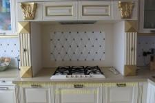 Кухня с порталом под варочную панель