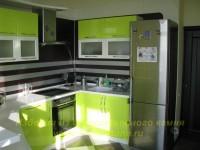Яркий интерьер кухни